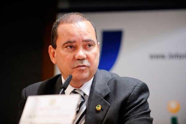 Vicentinho Alves em evento no Senado