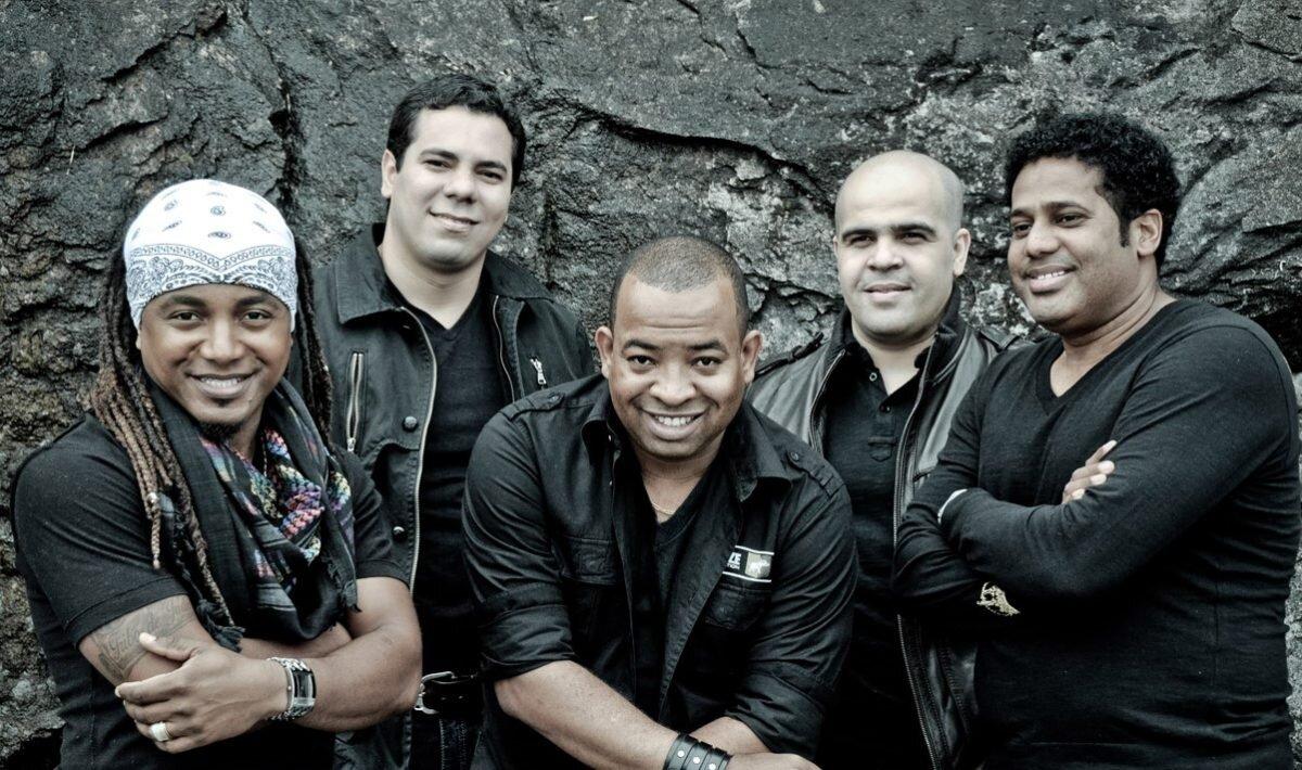 Membros da banda gospel Trazendo a Arca