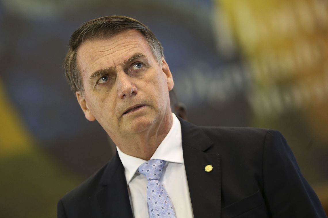 Presidente eleito Jair Bolsonaro sozinho na foto